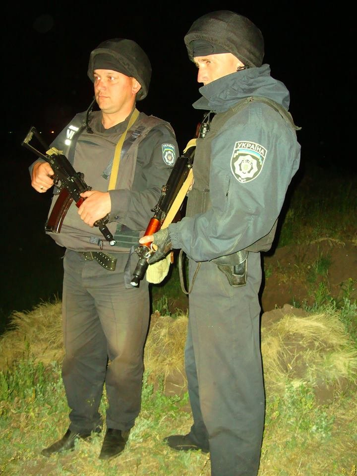 Львівські міліціонери, які добровільно охороняють спокій на сході України, отримають за 33 гривні на добу (фоторепортаж), фото-3