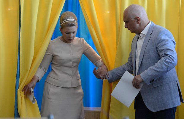 Тимошенко косить під Одри Хепберн. У екс-прем'єрки новий стиль (ФОТО, ВІДЕО), фото-6