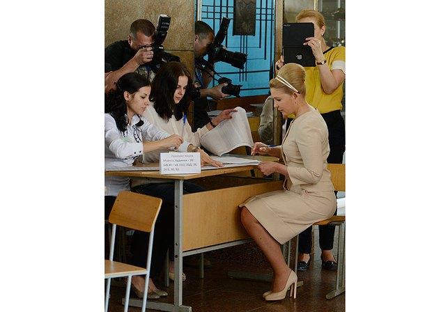 Тимошенко косить під Одри Хепберн. У екс-прем'єрки новий стиль (ФОТО, ВІДЕО), фото-3