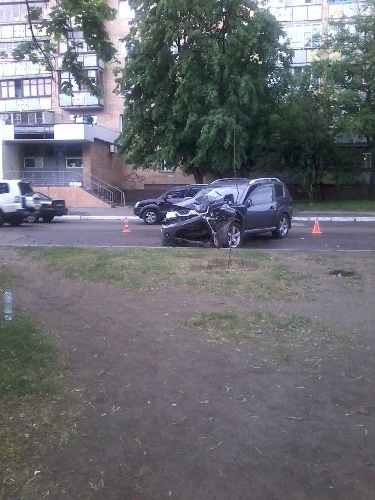 ДТП в Харькове: «Фольцваген» въехал в «Мицубиси», фото-1