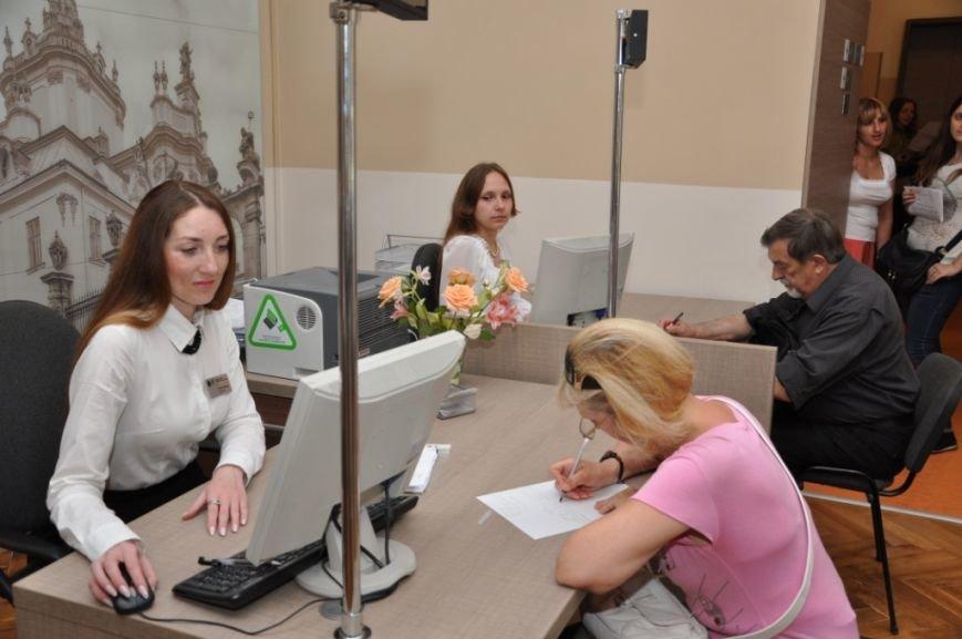 Садовий заплатив 600 тисяч гривень за ремонт у новому Центрі адмінпослуг (ФОТО), фото-4