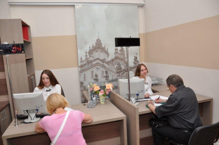 Садовий заплатив 600 тисяч гривень за ремонт у новому Центрі адмінпослуг (ФОТО), фото-8