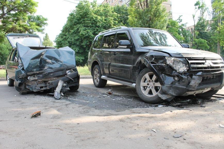 В Кривом Роге столкнулись Mitsubishi и «Таврия», повреждена MG (ФОТО), фото-4