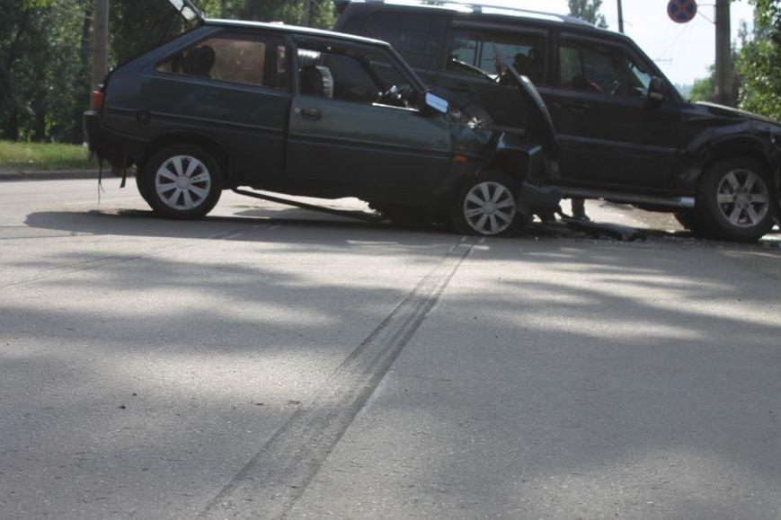 В Кривом Роге столкнулись Mitsubishi и «Таврия», повреждена MG (ФОТО), фото-5