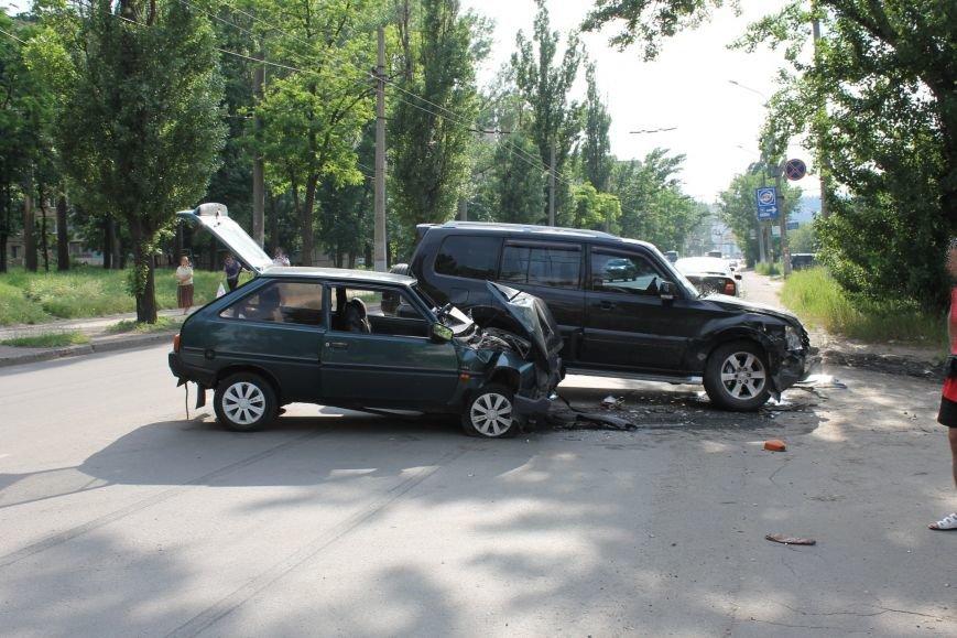В Кривом Роге столкнулись Mitsubishi и «Таврия», повреждена MG (ФОТО), фото-3