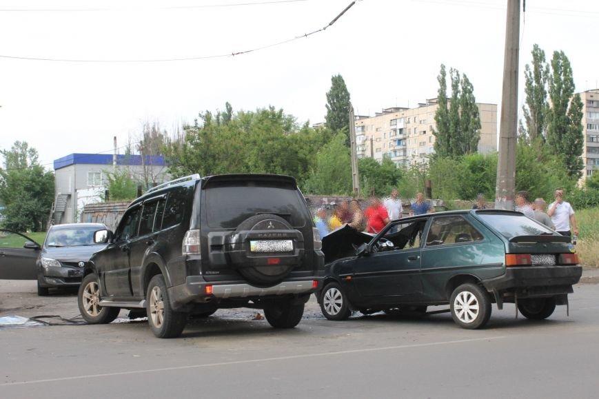 В Кривом Роге столкнулись Mitsubishi и «Таврия», повреждена MG (ФОТО), фото-9