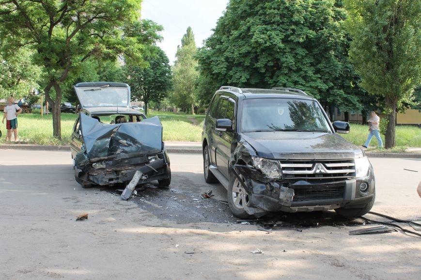 В Кривом Роге столкнулись Mitsubishi и «Таврия», повреждена MG (ФОТО), фото-2