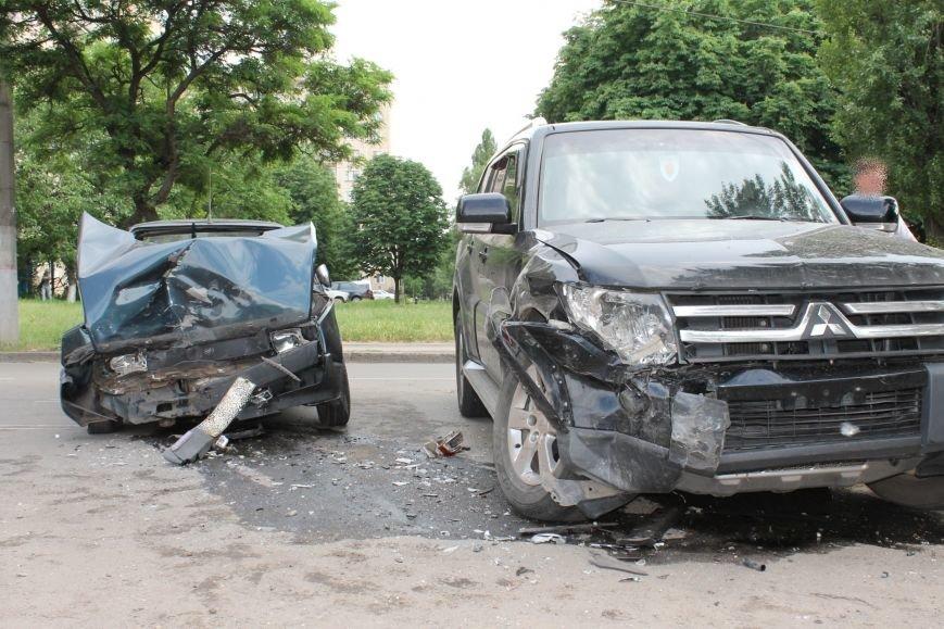 В Кривом Роге столкнулись Mitsubishi и «Таврия», повреждена MG (ФОТО), фото-7