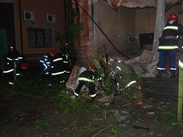 У Тернополі обвалилася стіна будинку (фото, відео), фото-4