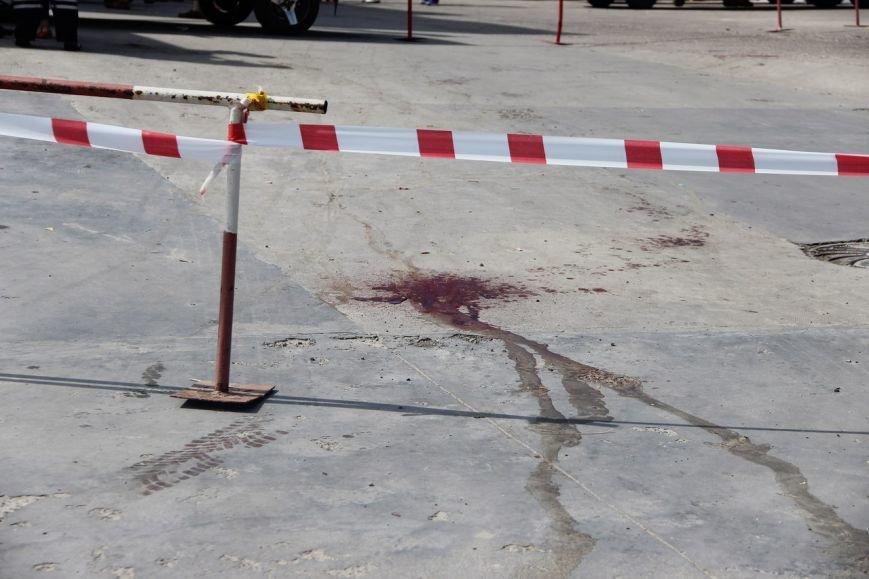 Будьте обережні! У Львові чоловік пошматував трьох людей ножем і втік на викраденому авто (ФОТО), фото-3