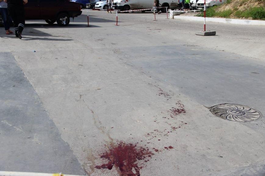 Будьте обережні! У Львові чоловік пошматував трьох людей ножем і втік на викраденому авто (ФОТО), фото-2