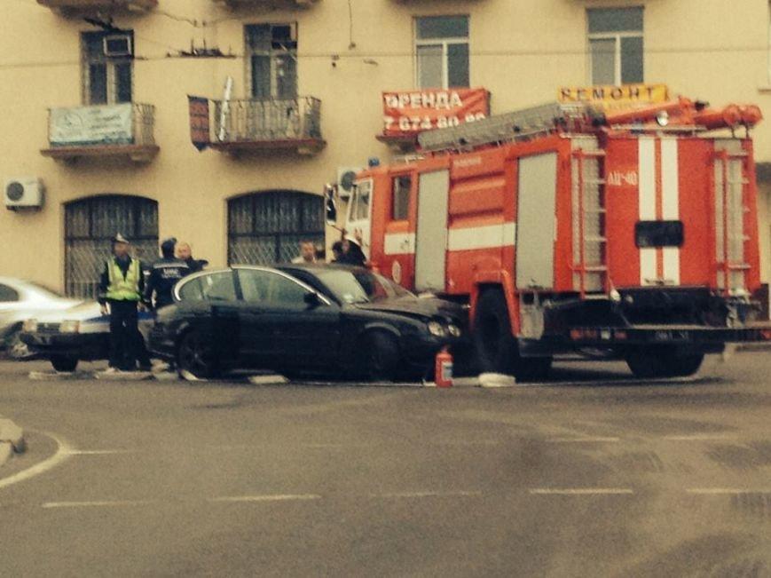 У Львові Ягуар влетів у пожежну машину, а потім зробив із себе іноземця, який не «в темі» (ФОТО), фото-1