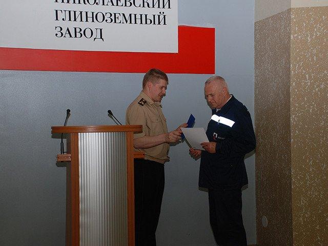 Водителей и крановщиков, участвовавших в ликвидации последствий взрыва в Николаеве, премировали, фото-2