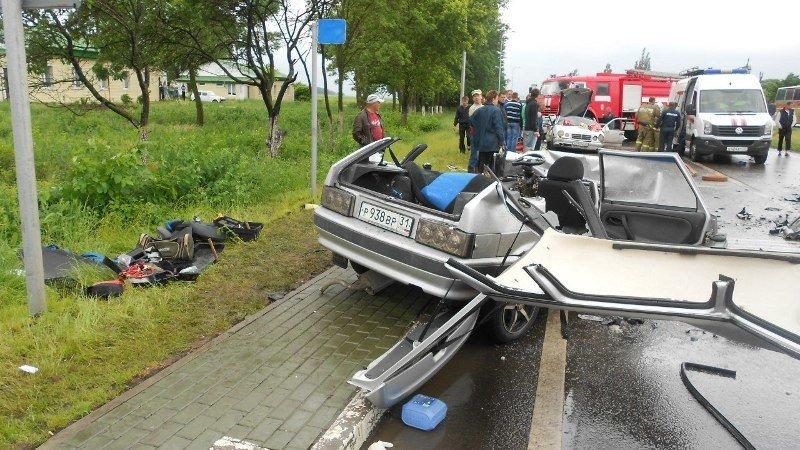 Под Белгородом в столкновении «Мерседеса»  и «Жигулей» погиб один человек и четверо пострадали, фото-1