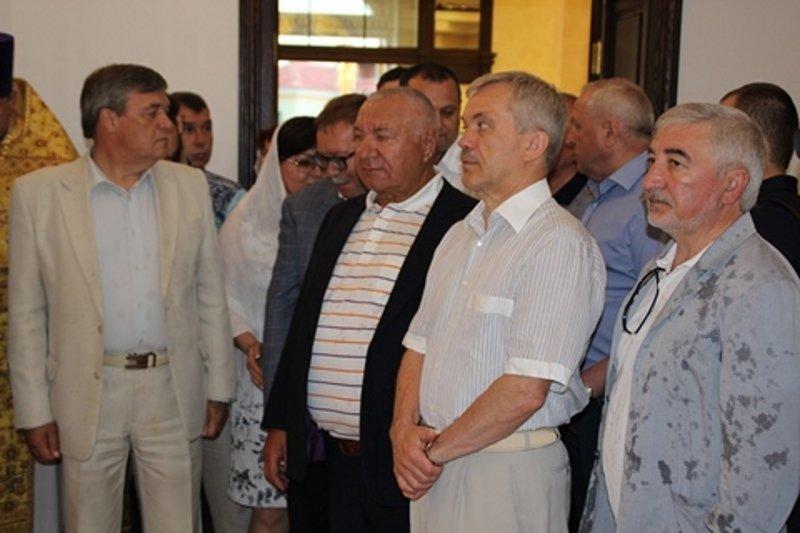 Губернатор и члены правительства Белгородской области участвовали в перенесении мощей священномученика Никодима, фото-1