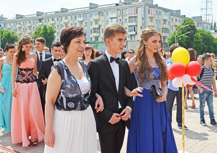 В луганской мэрии рассказали, как прошел последний звонок (ФОТО), фото-2