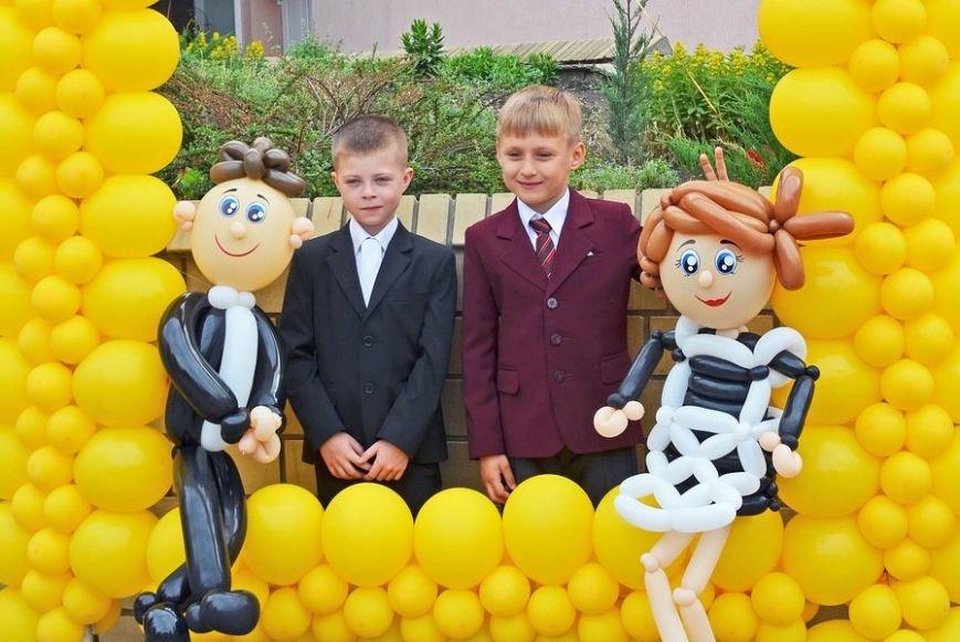 В луганской мэрии рассказали, как прошел последний звонок (ФОТО), фото-22