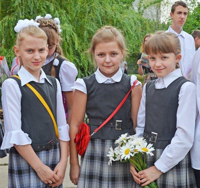 В луганской мэрии рассказали, как прошел последний звонок (ФОТО), фото-3