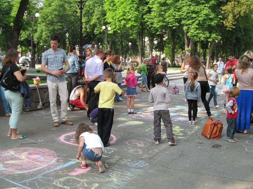 Конкурс детского рисунка на асфальте в рамках акции «Нет курению» (ФОТО), фото-4