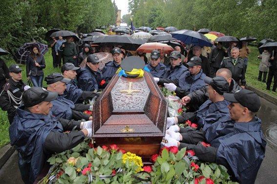 Кореспондента ТСН вразило, як прощались із Кульчицьким (фоторепортаж), фото-6