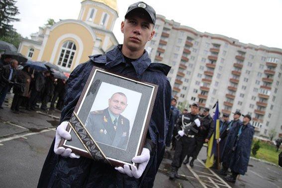 Кореспондента ТСН вразило, як прощались із Кульчицьким (фоторепортаж), фото-11