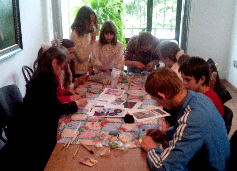 У Львові діти із вразливих сімей відсвяткували день матері із монахинями (фоторепортаж), фото-3