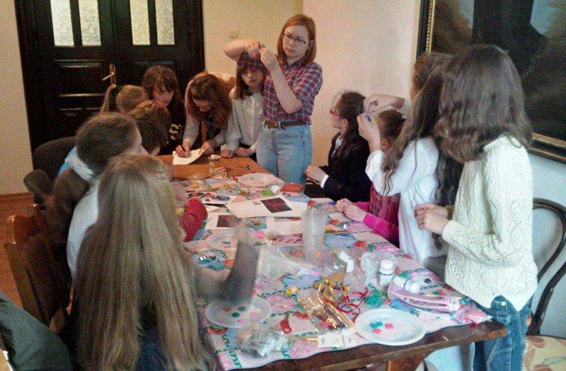У Львові діти із вразливих сімей відсвяткували день матері із монахинями (фоторепортаж), фото-5
