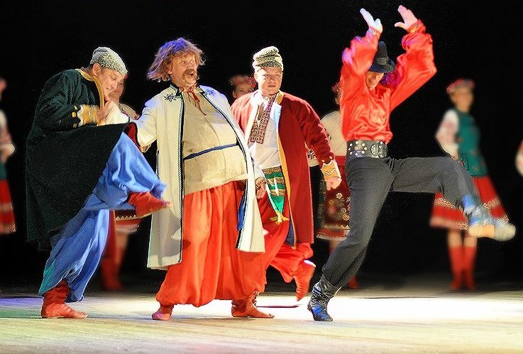 Черниговский танцевальный коллектив «Дружба» отпраздновал юбилей (фото) - фото 1