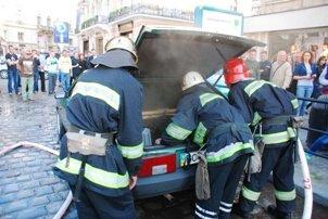 У центрі Львова загорівся автомобіль (ФОТО), фото-3