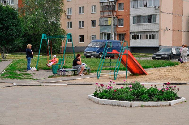 Жители поселка Разумное отстояли у местных властей детскую площадку, фото-3