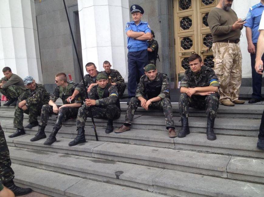Беженцы из Донбасса под Радой требуют предоставить им статус переселенцев (ФОТОФАКТ), фото-5