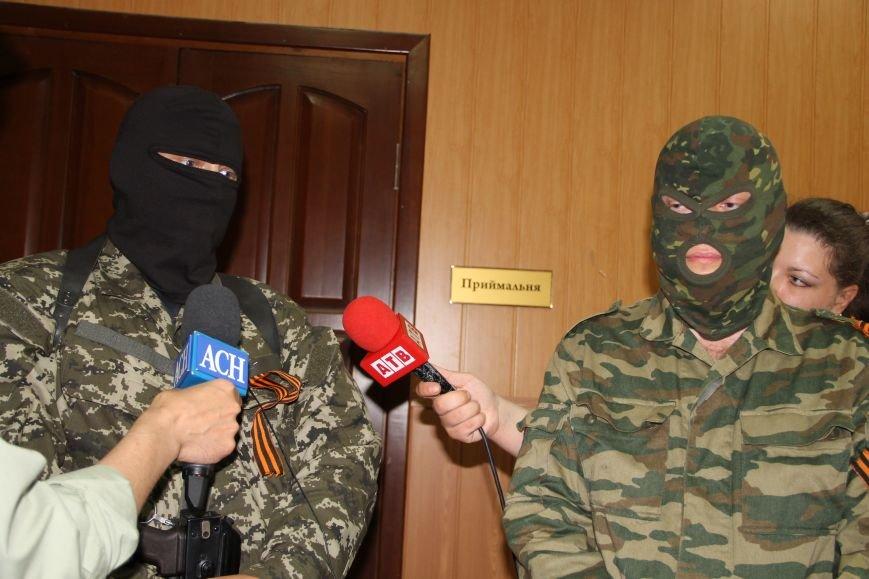 В Артемовске ополченцы показали оружие, изъятое у бизнесмена Иванкова (ФОТО, ВИДЕО), фото-5