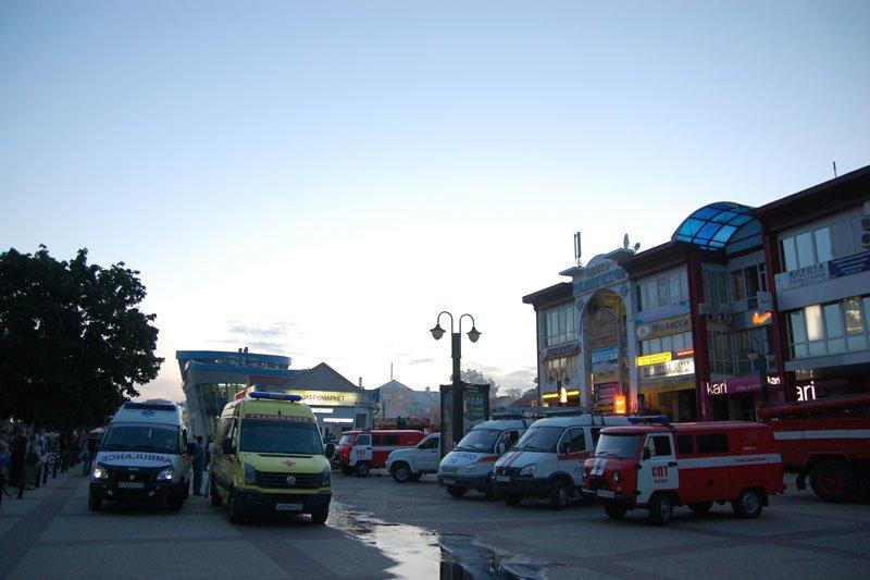 В Белгороде произошел пожар на Центральном рынке, фото-1