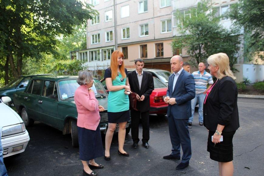Тернопільський міський голова особисто перевіряє якість ремонту прибудинкових територій (фото), фото-3