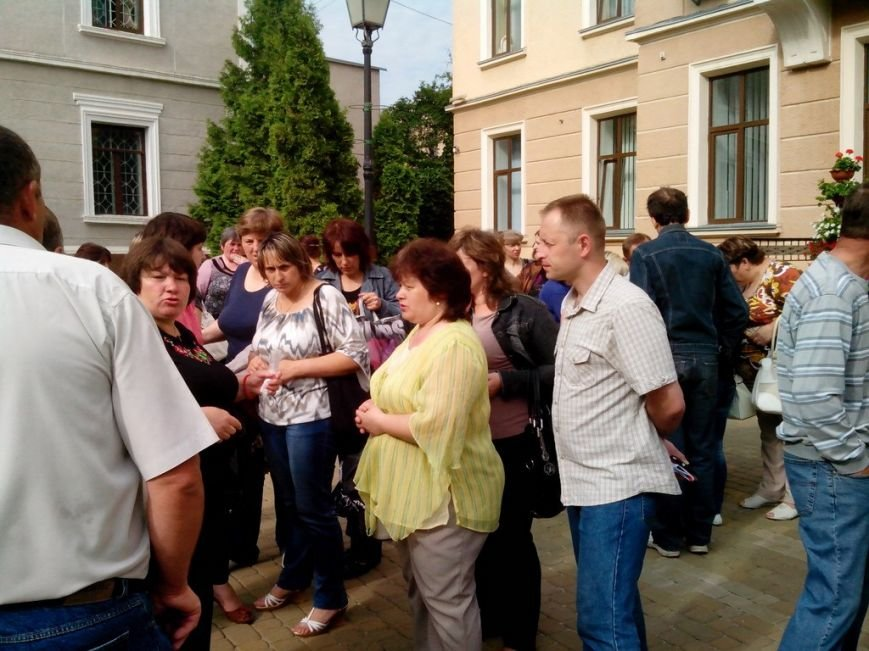 Тернопільську міську раду знову пікетували мешканці гуртожитків (фото), фото-1