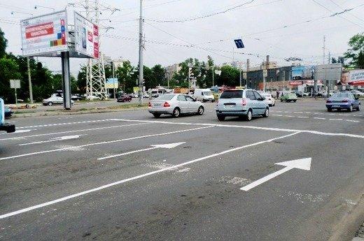 Одесские коммунальщики наконец нанесли разметку на дороги (ФОТО), фото-4