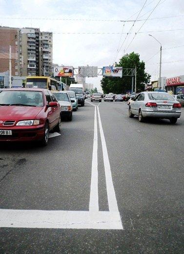 Одесские коммунальщики наконец нанесли разметку на дороги (ФОТО), фото-3