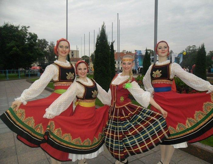 Алеся Липатова1