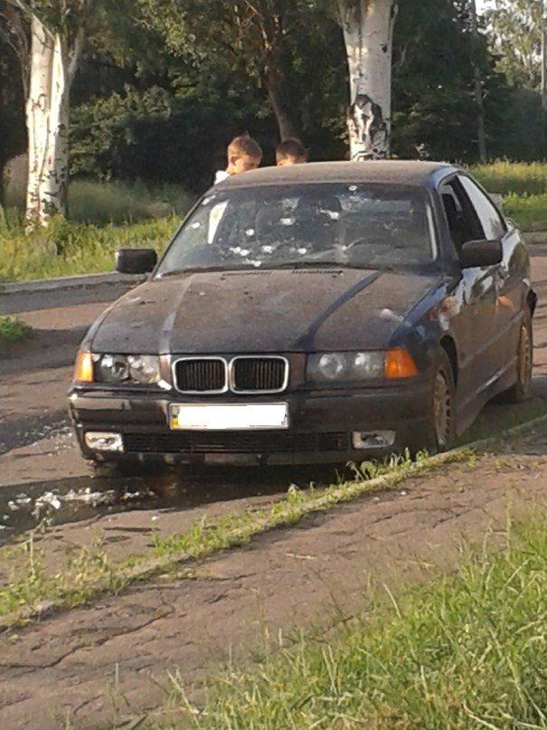 В Артемовске расстреляли автомобиль, в котором находился командир танковой базы (ФОТО), фото-1