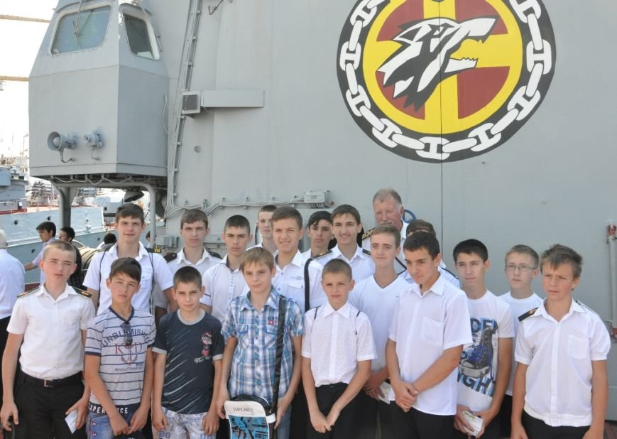 В Одессе для выпускников флотилии устроили церемонию на фрегате «Сагайдачный» (ФОТО), фото-1