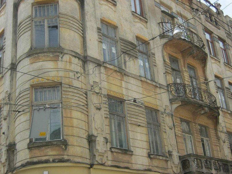У центрі Львова зробили «зелену смугу» для трамваїв (ФОТО), фото-1