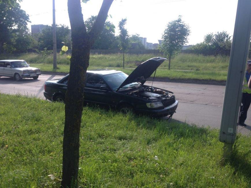 У Тернополі п'яний водій зніс огорожу навпроти зупинки (фото), фото-2