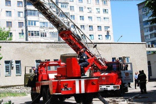 У Тернополі горіла багатоповерхівка (фото), фото-2