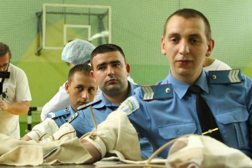 Черниговские милиционеры стали кровь, фото-1