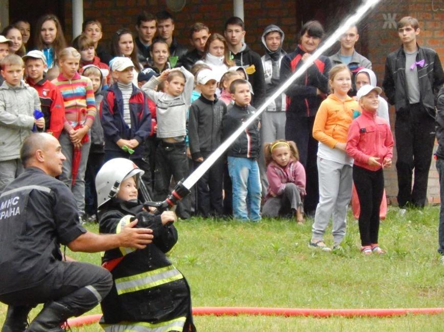 Дети, отдыхающие в лагере «Горизонт», учились тушить пожары (фото и видео), фото-1