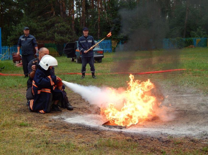 Дети, отдыхающие в лагере «Горизонт», учились тушить пожары (фото и видео), фото-3