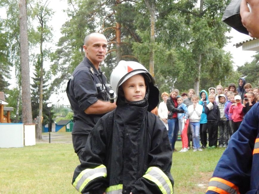 Дети, отдыхающие в лагере «Горизонт», учились тушить пожары (фото и видео), фото-6