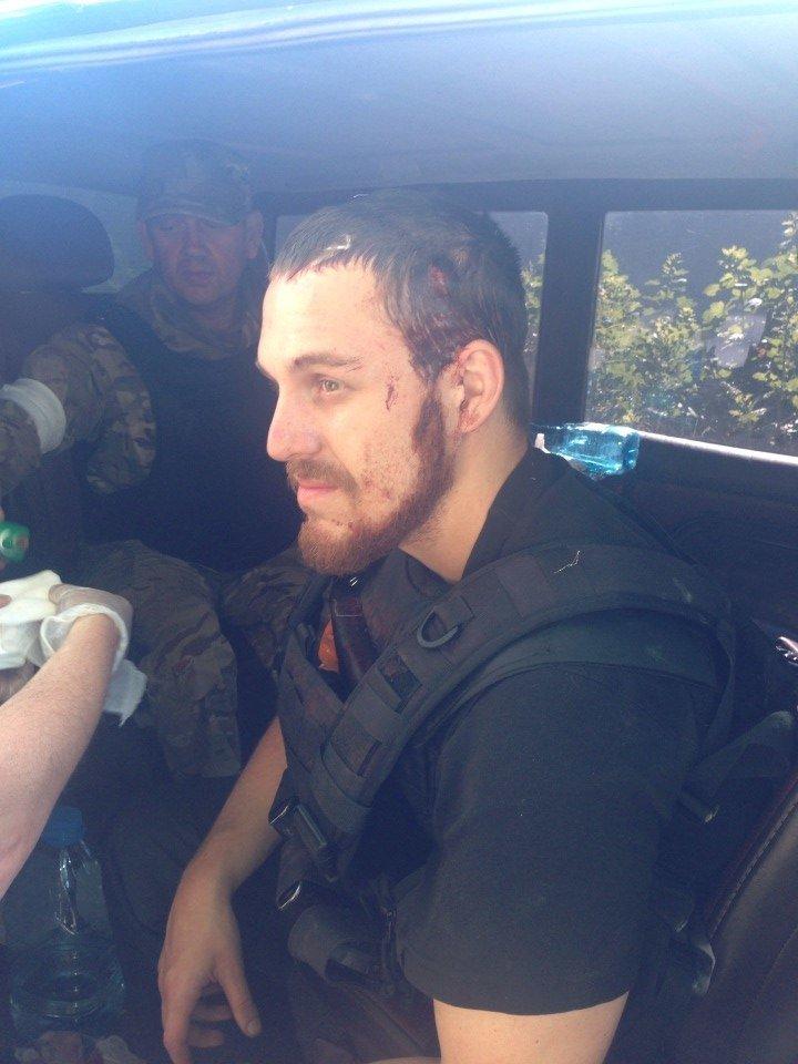В центре Мариуполя бойцы украинской армии задержали ДНРовцев с оружием (Дополнено ФОТО+ВИДЕО), фото-1