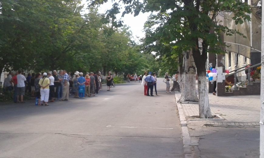 Мариупольцы скорбят по погибшим 9 мая(ФОТО), фото-1