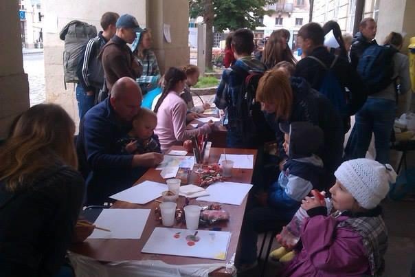 У Львові дітлахи написали листа українським солдатам (фоторепортаж), фото-4